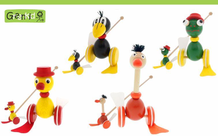 Dřevěná hračka Greenkid strkadlo-plácačka. Dřevěná zvířátka pro radost dětí od českého výrobce dřevěných hraček Abafactory. Plácačka havran, žabák, kačer, pštros.