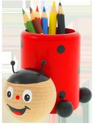 Dřevěný stojánek na tužky Greenkid. Kvalitní hračka a dekorace pro děti od 3let - motiv beruška od českého výrobce dřevěných hraček Abafactory.