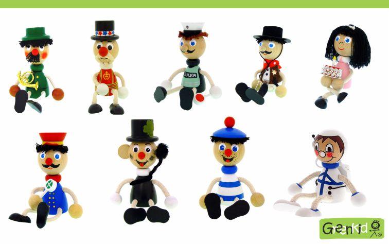 Dřevěné figurky Greenkid - mix postaviček: myslivec - policista - kovboj - pošťák - kominík - námořník - kosmonaut. Kvalitní dřevěná hračka a dekorace pro děti. Česká výroba bezpečných dřevěných hraček Abafactory.