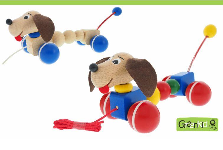 Dřevěné tahací hračky s pohybem Greenkid. Dřevěný pejsek na kolečkách, český výrobek Abafactory pro děti od jednoho roku s novým designem.