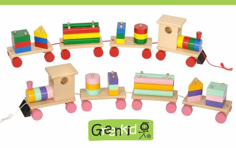 Kvalitní a bezpečná tahací hračka Greenkid. Dřevěný vlak a barevné kostky pro kluky i holky od českého výrobce Abafactory.