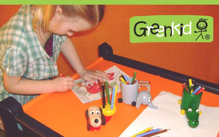 Dřevěné stojánky na pastelky a na tužky Greenkid. Dřevěná zvířátka a dekorace pro kluky i holky české výroby kvalitních dřevěných hraček Abafactory.