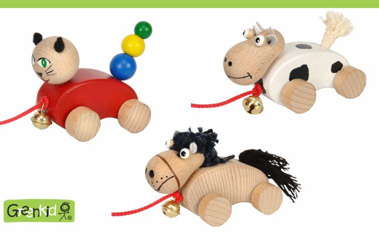 Dřevěná tahací zvířátka s rolničkou Greenkid. Malé dřevěné hračky pro děti od jednoho roku. Česká výroba kvalitních dřevěných hraček Abafactory. Pejsek-kočička-kravička s rolničkou.