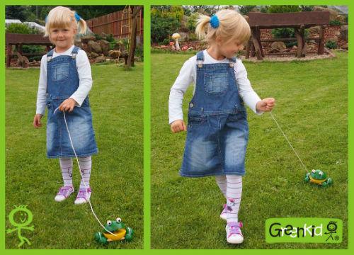 Dřevěné hračky Greenkid - tahací s pohybem. Dřevěná žabka na kolečkách, český výrobek pro děti Abafactory.